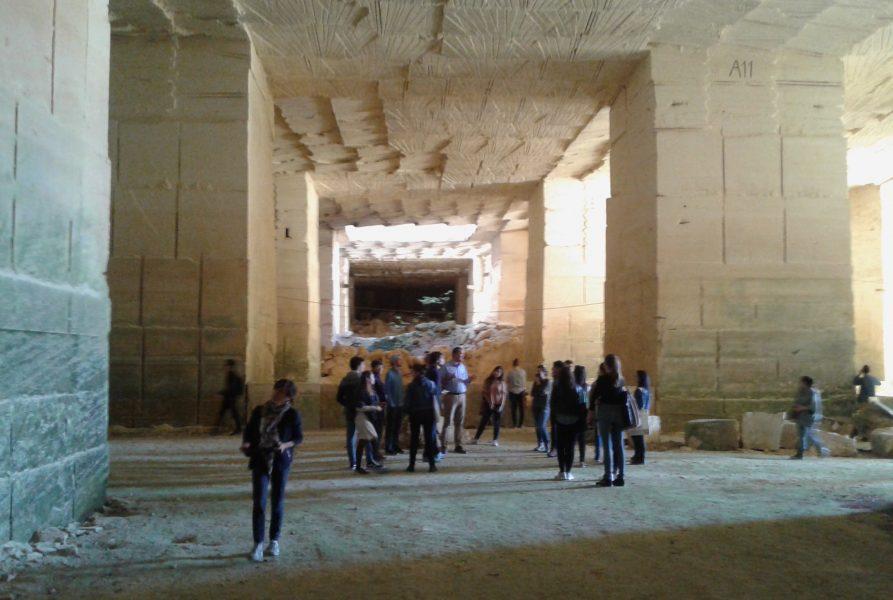 Visite de la carrière de pierre de Fontvieille